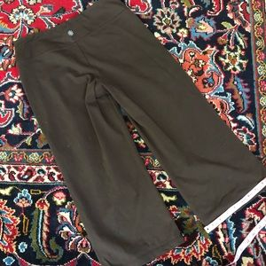 Athleta Pants - Athleta Cropped Yoga Pants Size M